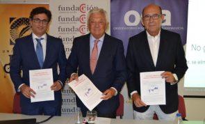 El profesor Manuel Alejandro Hidalgo, el presidente de la Cámara, Francisco Herrero, y su homólogo en el OEA, Francisco
